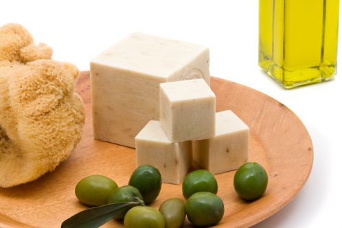 olive-oil-cosmetics