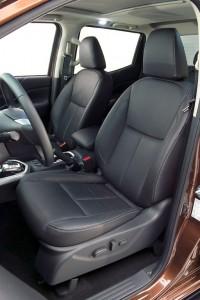 NP300_NAVARA_Front_Seats